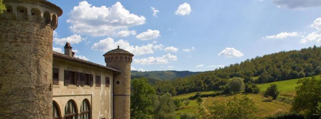 9 bedroom Villa in Anghiari, Arezzo, Italy : ref 2259025 - Image 1 - Anghiari - rentals