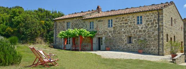 4 bedroom Villa in Siena, Montalcino area, Siena, Italy : ref 2259033 - Image 1 - Montalcino - rentals