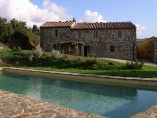 4 bedroom Villa in Siena, Montalcino area, Siena, Italy : ref 2259033 - Montalcino vacation rentals