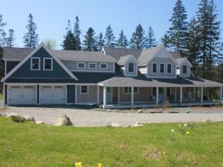 Bright 4 bedroom House in Stonington - Stonington vacation rentals