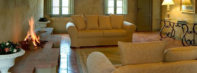 5 bedroom Villa in San Giovanni d'Asso, Siena, Italy : ref 2259036 - Image 1 - San Giovanni d'Asso - rentals