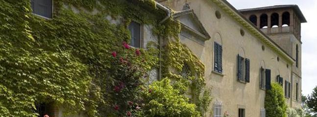 6 bedroom Villa in Pisa, Pisa region, Tuscany, Italy : ref 2259048 - Image 1 - Fauglia - rentals
