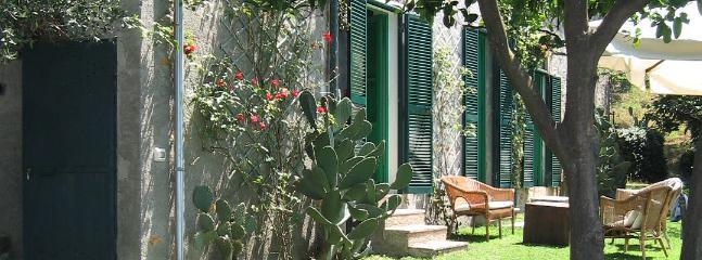 3 bedroom Villa in Pietrasanta, Near Pietrasanta, Forte dei Marmi, Italy : ref - Image 1 - Pietrasanta - rentals