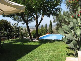 3 bedroom Villa in Pietrasanta, Near Pietrasanta, Forte dei Marmi, Italy : ref - Pietrasanta vacation rentals