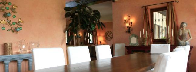 4 bedroom Villa in Lesa, Lake Maggiore, Italy : ref 2259093 - Image 1 - Stresa - rentals