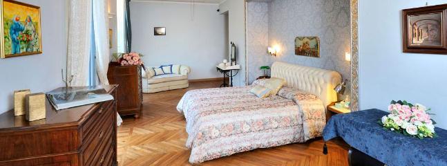 7 bedroom Villa in Como, Lake Como, Italy : ref 2259097 - Image 1 - Como - rentals