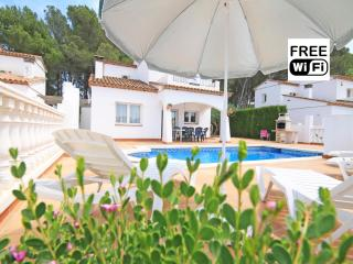 Villa with private pool perfect for holidays - L'Escala vacation rentals