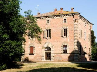 5 bedroom Villa in Imola, between Bologna and Ravenna, Italy : ref 2259126 - Imola vacation rentals