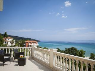 3 bedroom Villa in Lourdas, Kefalonia, Greece : ref 2259515 - Lourdata vacation rentals