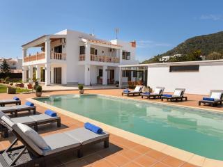 4 bedroom Villa in Ibiza Ciudad, Sa Carroca, Ibiza : ref 2259643 - Sant Miquel De Balansat vacation rentals
