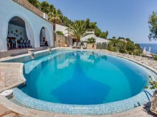 5 bedroom Villa in Cala Ratjada, Mallorca, Mallorca : ref 2259686 - Cala Ratjada vacation rentals