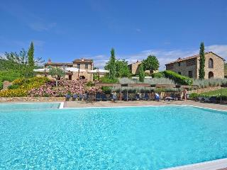 Nice 4 bedroom San Leolino Villa with Internet Access - San Leolino vacation rentals