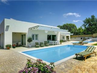 6 bedroom Villa in Brajkovici, Istria, Croatia : ref 2261521 - Brajkovici vacation rentals