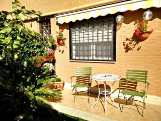 Bright 1 bedroom Rome Apartment with Internet Access - Rome vacation rentals
