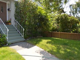 *New* Fairfield 2BD House with large Backyard - Victoria vacation rentals