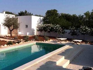 2 bedroom Villa in San Michele Salentino, Apulia, Italy : ref 2266078 - San Michele Salentino vacation rentals