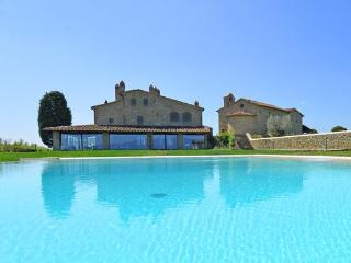 4 bedroom Villa in Arezzo, Tuscany, Italy : ref 2266223 - Pieve al Bagnoro vacation rentals