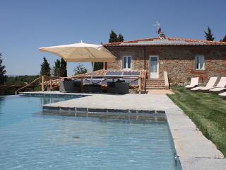 4 bedroom Villa in Terranuova Bracciolini, Tuscany, Italy : ref 2268140 - Terranuova Bracciolini vacation rentals