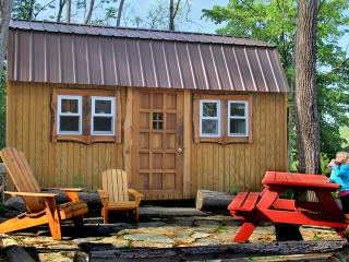 Cozy 3 bedroom House in Honeoye Lake - Honeoye Lake vacation rentals