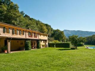 6 bedroom Villa in Culla, Tuscany, Italy : ref 2268292 - Monteggiori vacation rentals