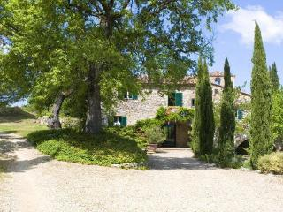 6 bedroom Villa in Lucarelli, Tuscany, Italy : ref 2268343 - Lucarelli vacation rentals