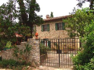 Apartment in San Casciano In Val Di Pesa, Tuscany, Italy - Cerbaia vacation rentals