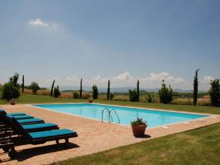 8 bedroom Villa in Camucia-Monsigliolo, Tuscany, Italy : ref 2269016 - Cignano vacation rentals