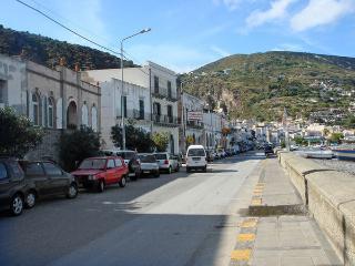 4 bedroom Villa in Canneto, Sicily, Italy : ref 2269246 - Canneto di Lipari vacation rentals
