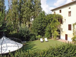 13 bedroom Villa in Cascina, Tuscany, Italy : ref 2269247 - Navacchio vacation rentals