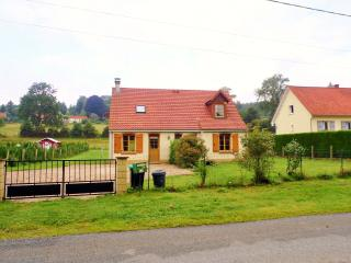 Bright 4 bedroom Boubers-les-Hesmond Gite with Internet Access - Boubers-les-Hesmond vacation rentals