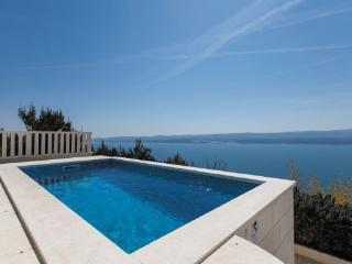 4 bedroom Villa in Omis-Celina, Omis, Croatia : ref 2278661 - Ruskamen vacation rentals
