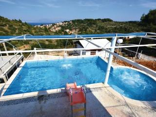 9 bedroom Villa in Solta-Stomorska, Island Of Solta, Croatia : ref 2278787 - Stomorska vacation rentals