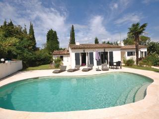4 bedroom Villa in Valbonne, Alpes Maritimes, France : ref 2279295 - Valbonne vacation rentals