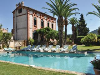 7 bedroom Villa in La Londe Les Maures, Var, France : ref 2279477 - La Londe Les Maures vacation rentals