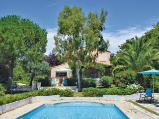 4 bedroom Villa in La Gaude, Alpes Maritimes, France : ref 2279601 - La Gaude vacation rentals