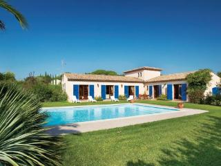 4 bedroom Villa in Le Muy, Var, France : ref 2279715 - Le Muy vacation rentals