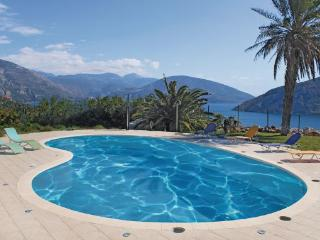 10 bedroom Villa in Antikyra Delphi, Central Greece, Greece : ref 2279795 - Antikyra vacation rentals