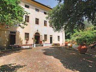 7 bedroom Villa in Pistoia, Montecatini / Pistoia And Surroundings, Italy : ref 2279899 - Serravalle Pistoiese vacation rentals