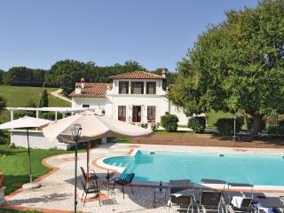 6 bedroom Villa in Todi, Spoleto And Surroundings, Italy : ref 2279969 - Portaria vacation rentals