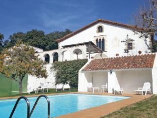 7 bedroom Villa in Arenys de Munt, Costa De Barcelona, Spain : ref 2280713 - Sant Vicenc De Montalt vacation rentals