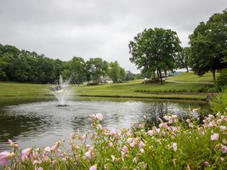 Branson Condo Rental | Pointe Royale | Golf | Indoor Pool | Taneycomo | Welk - Branson vacation rentals