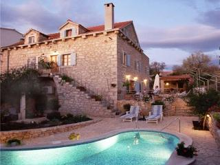 3 bedroom Villa in Brac, Central Dalmatia Islands, Croatia : ref 2282873 - Milna vacation rentals