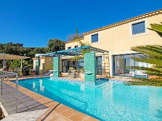 3 bedroom Villa in Saint Aygulf, Cote d Azur, France : ref 2284674 - Saint-Aygulf vacation rentals