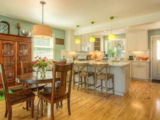 Harbor's Edge Gig Harbor Home - sleeps 6 - 2 BA - Gig Harbor vacation rentals