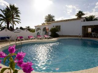 5 bedroom Villa in Altea, Alicante, Costa Blanca, Spain : ref 2288824 - L'Alfas del Pi vacation rentals