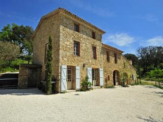 4 bedroom Villa in Plan De La Tour, St Tropez Var, France : ref 2291507 - Le Plan-de-la-Tour vacation rentals