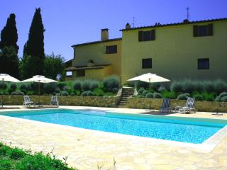 5 bedroom Apartment in Montefioralle, Chianti, Tuscany, Italy : ref 2386025 - Montefioralle vacation rentals
