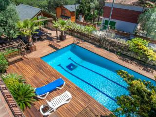 Beautiful Chalet with Internet Access and A/C - Blanes vacation rentals