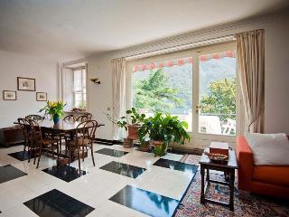 4 bedroom Villa in Laglio, Lake Como, Italy : ref 2294534 - Laglio vacation rentals