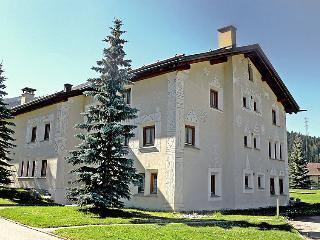 4 bedroom Apartment in La Punt Chamues ch, Engadine, Switzerland : ref 2298492 - La Punt-Chamues-ch vacation rentals